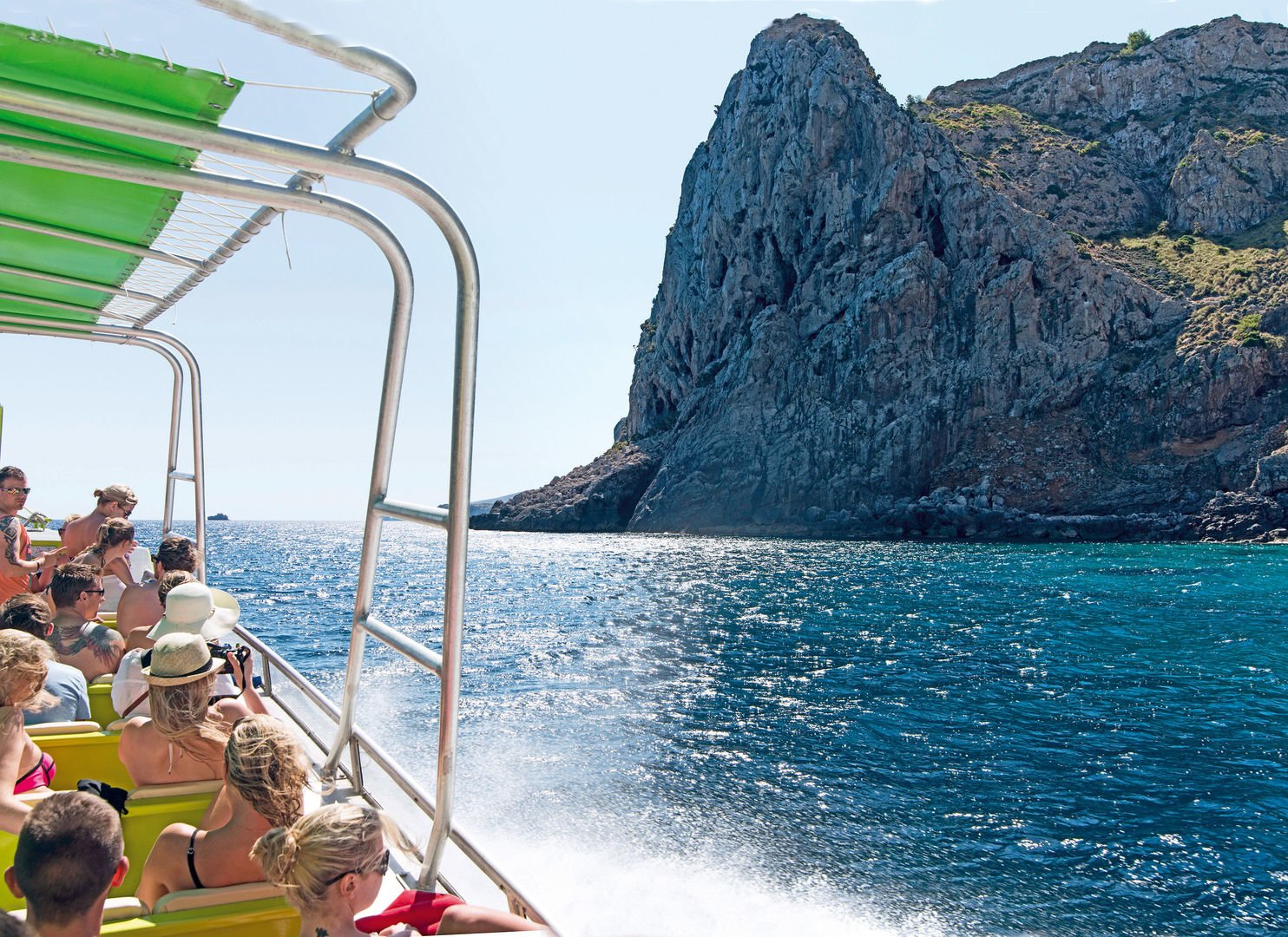 Alcudia Caves and cliffs