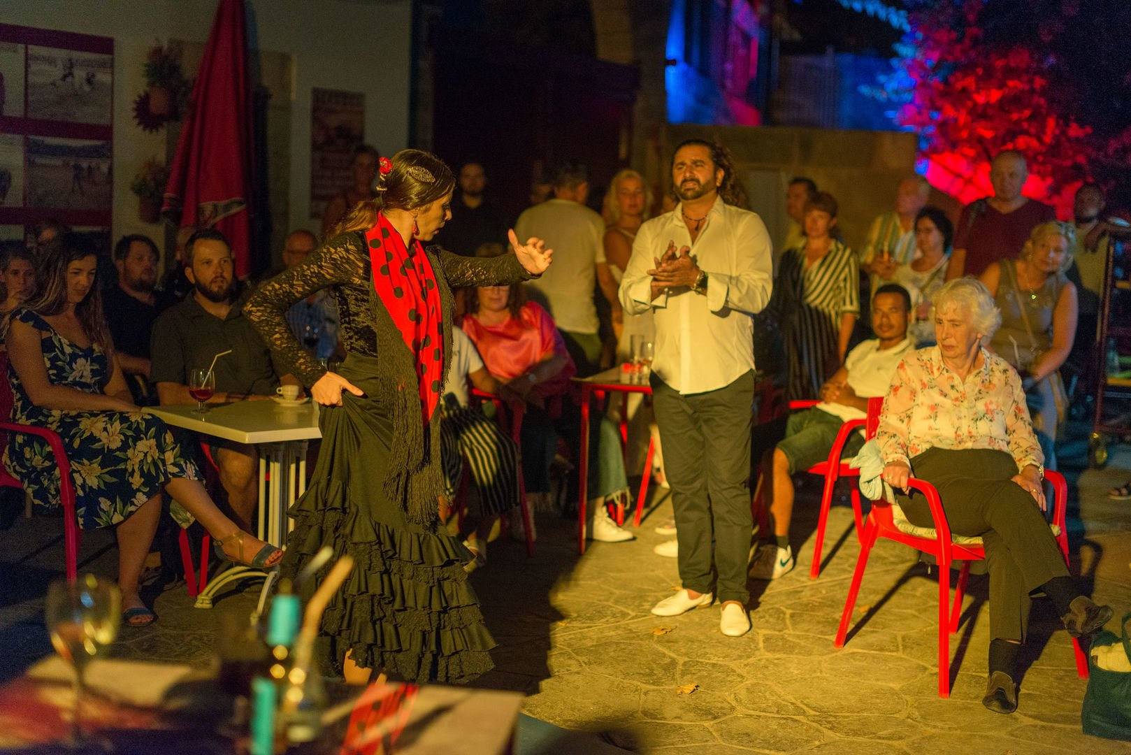 clients enjoying the flamenco show